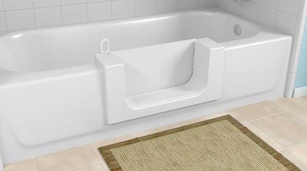 снимка на ваната с предпазна стъпка за безопасност