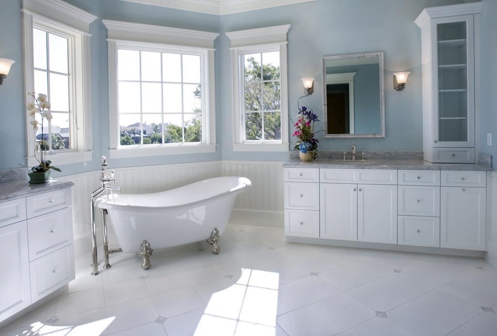 Decorating Modern Bathroom By Refinishing Your Claw Foot Bathtub