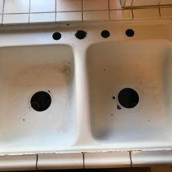 Kitchen sink before refinishing