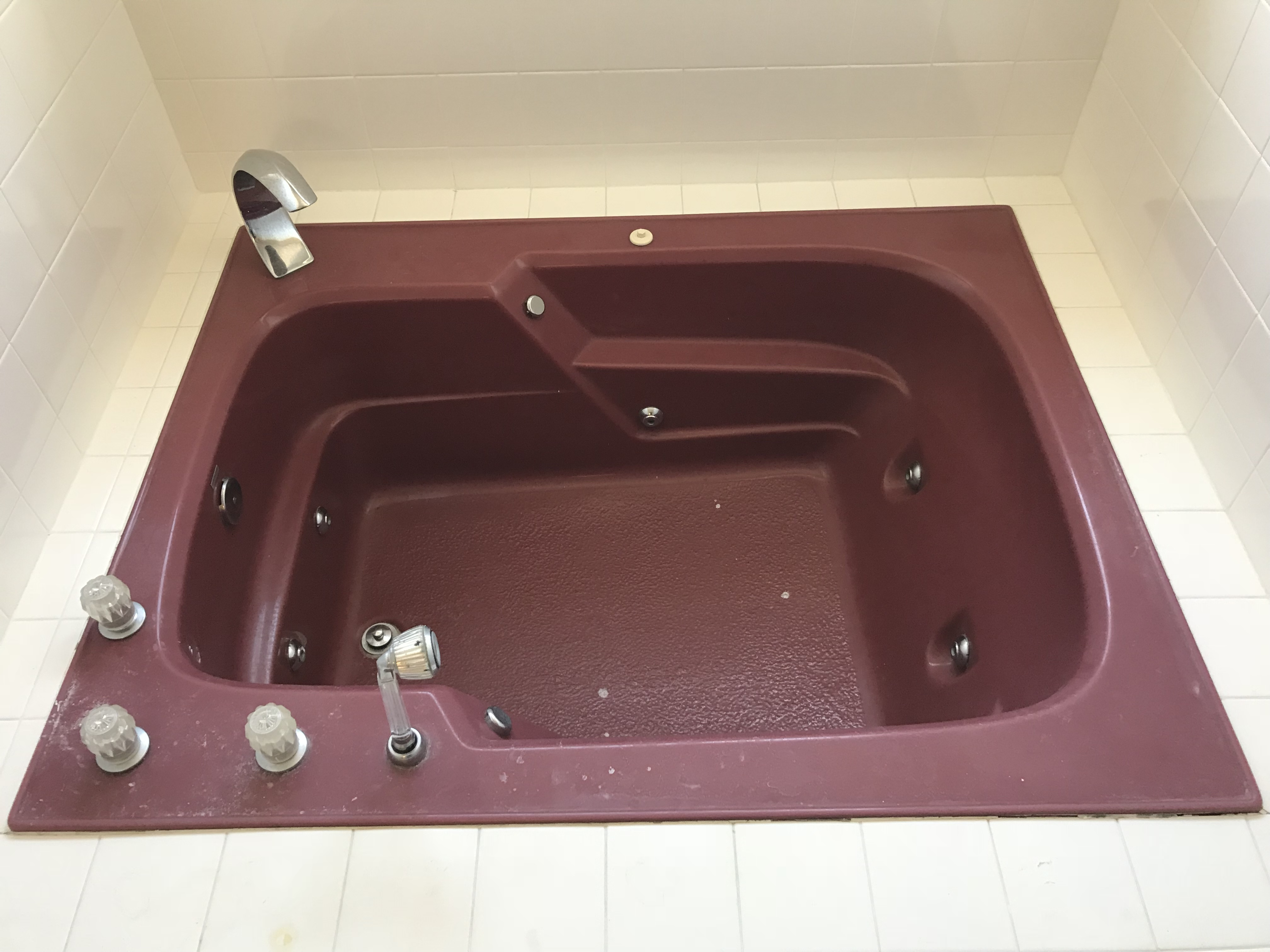 Large Sauna Tub Refinishing Before Work - NuFinishPro