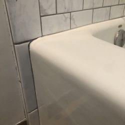 Badkuip overspuiten na reparatie ter plaatse - NuFinishiPro