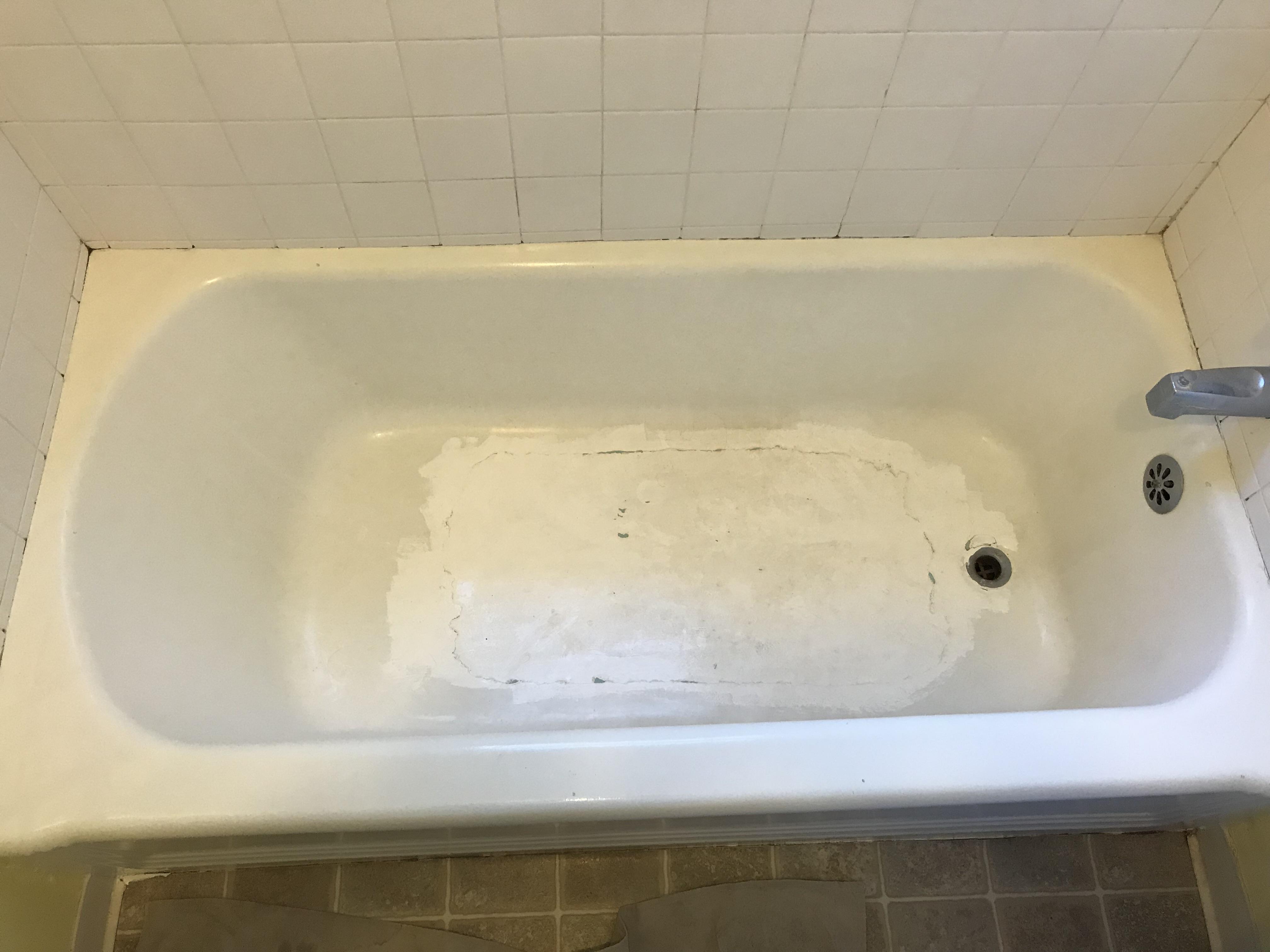 Bathtub Refinishing And Tile Resurfacing Before - NuFinishPro