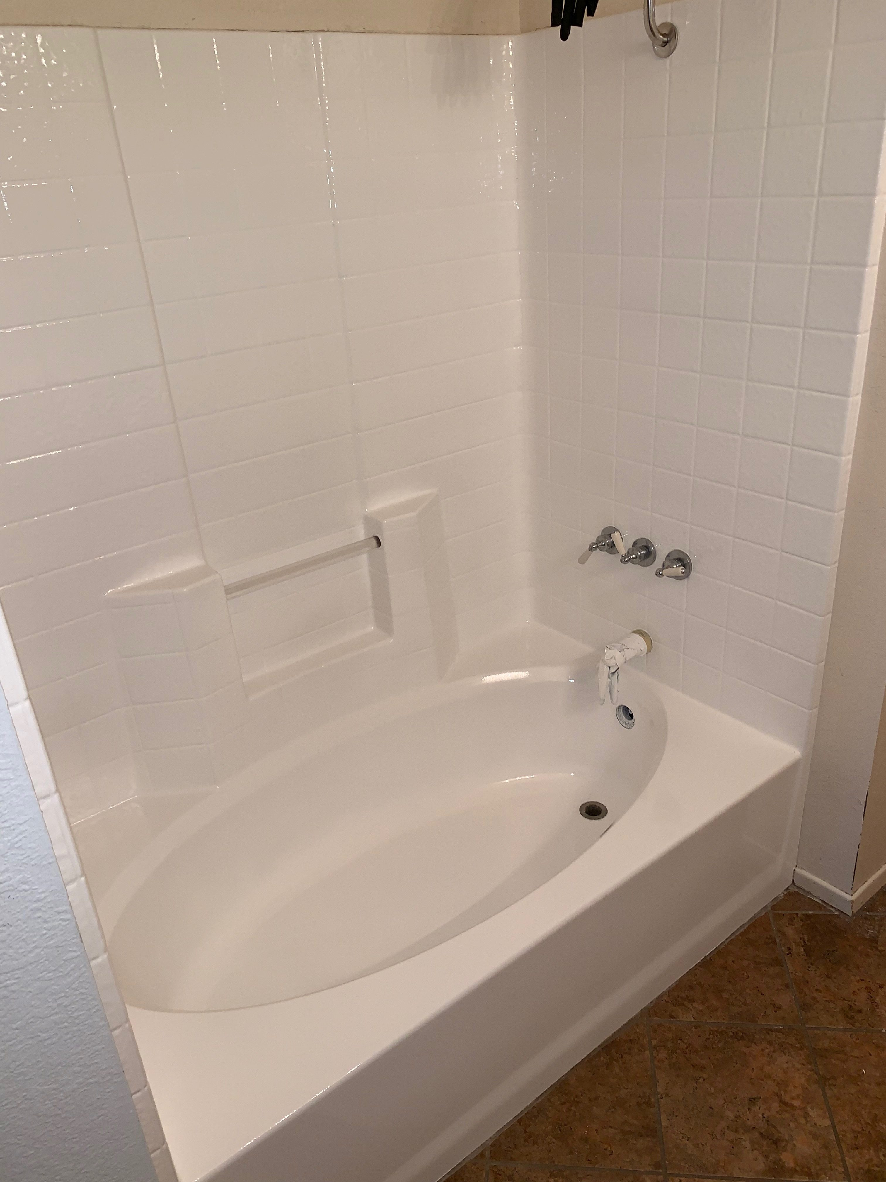 Bathtub Resurfacing And Tile Resurfacing After - NuFinishPro