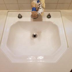 Wastafel in de badkamer na - NuFinishPro