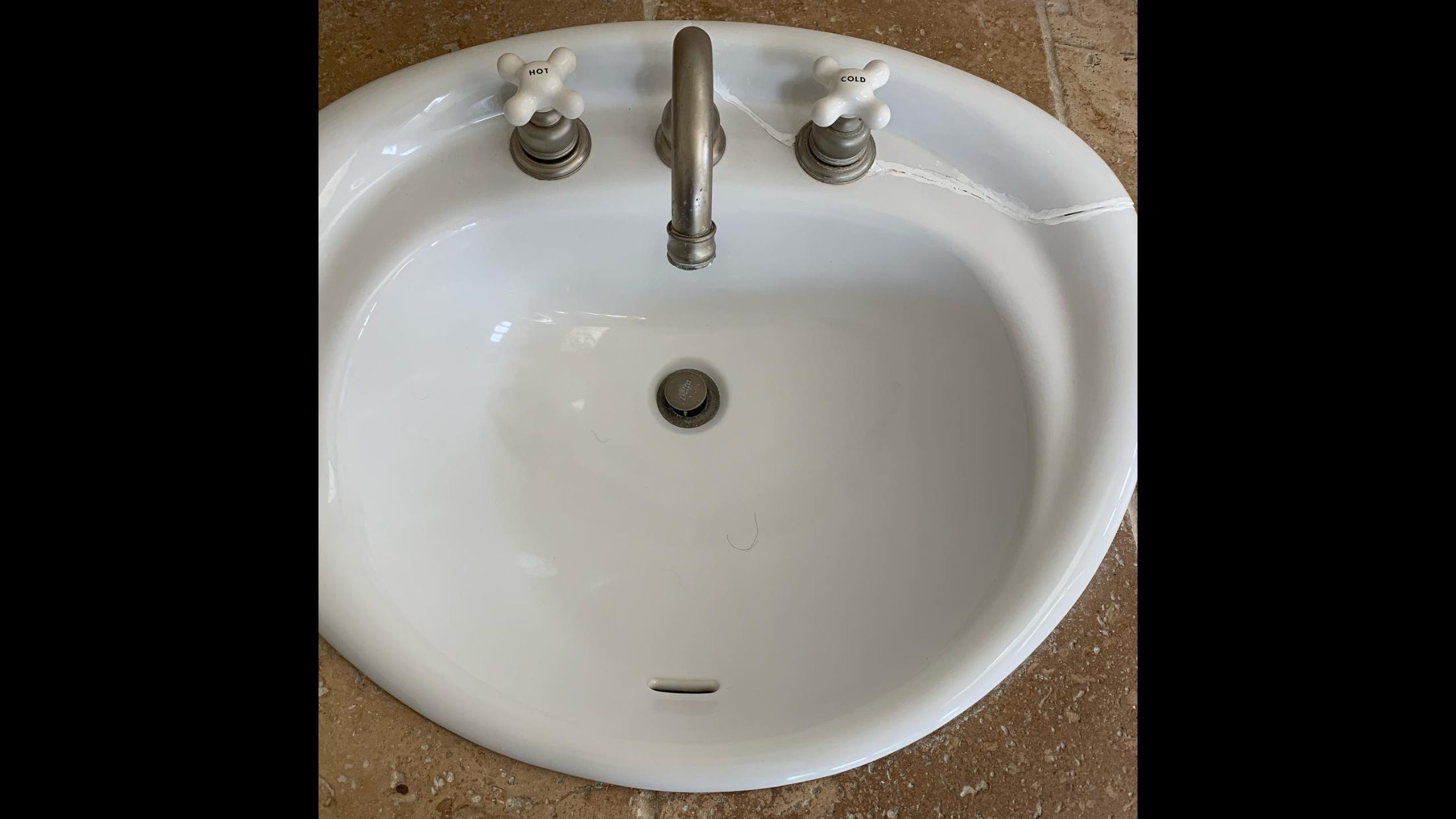 Bathroom Sink Resurfacing Before - NuFinishPro