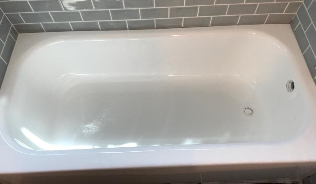 Bathtub Refinishing After - NuFinishPro
