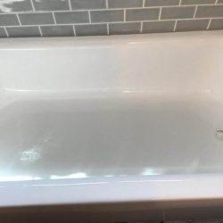 Badkuip overspuiten na het werk - NuFinishPro