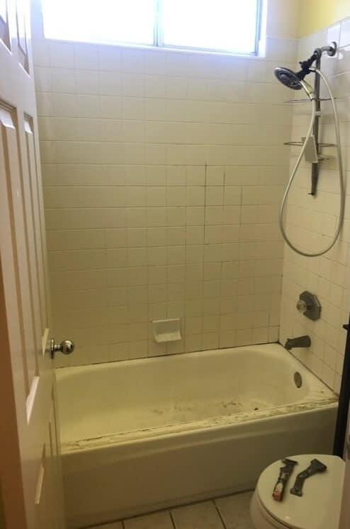 Duschplattor som täcks igen innan foto - NuFinishPro