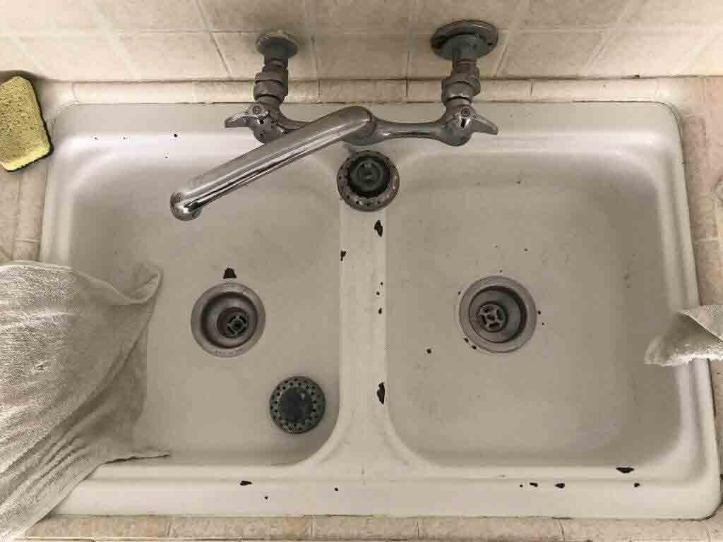 Konyhai mosogató mosogató előtt Reglaze